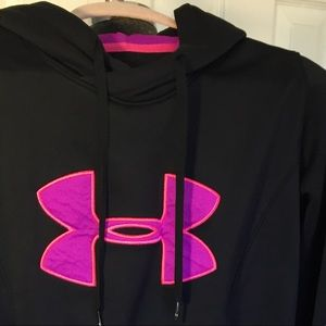 Underarmour pullover hoodie size M